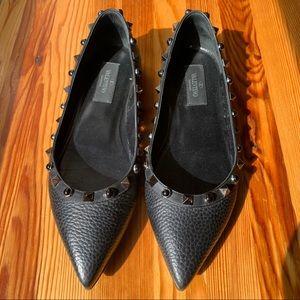 Valentino Garavani Rockstud Black Leather Flats